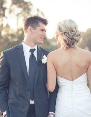 beau gars dans mariage avec nana