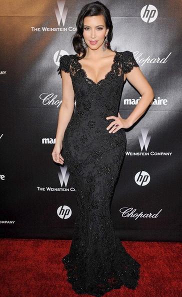 Robe dentelle à mancherons portée par Kim Kardashian au Weinstein Company 2012 Golden Globes Party