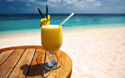 boisson glacée dans le mariage sur la plage
