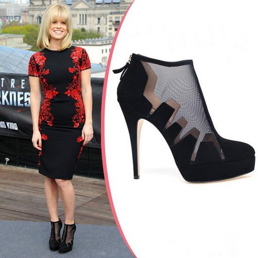 Alice Eve : chaussures aux dentelles noires transparentes de Bionda Castana