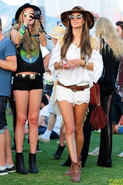 meilleur look d'Alessandra Ambrosio dans le festival Coachella 2013