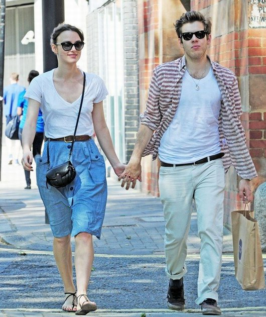 look casuel de Keira Knightley et James Righton dans la rue