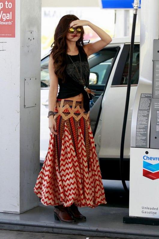 look hippie folk de Selena Gomez pour aller chez le coiffeur