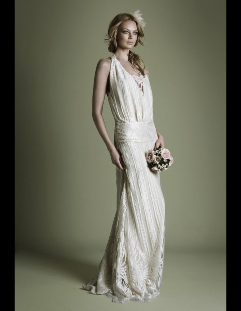 Robe-en-crepe-style-annees-20-The-Vintage-Wedding-Dress-Company