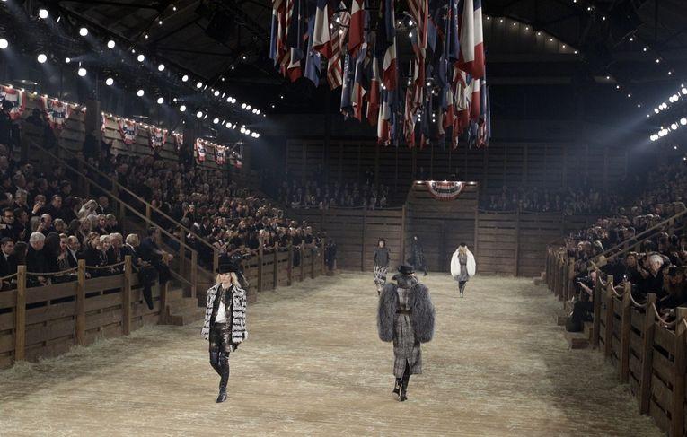 Défilé Paris-dallas Chanel dédié aux métiers d'art