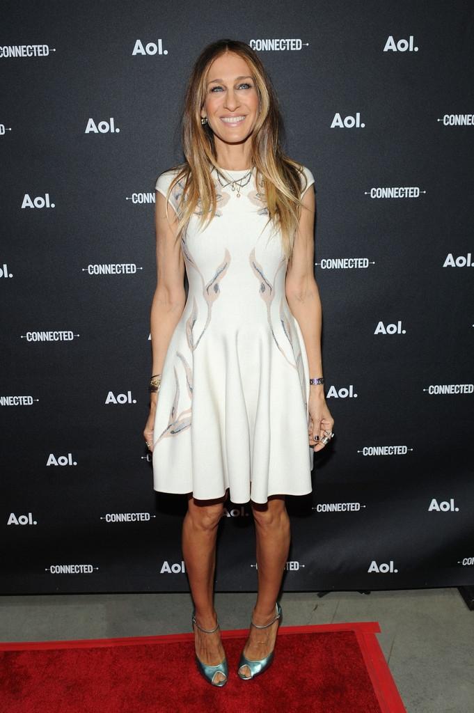 Sarah Jessica Parker en petite robe blanche à la soirée AOL 2014