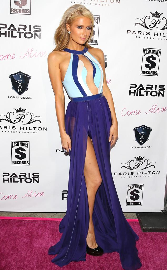 Paris Hilton s'est montrée sexy avec la robe décolletée