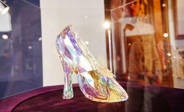 chaussures-pantoufles-de-verre-cendrillon-swaroski