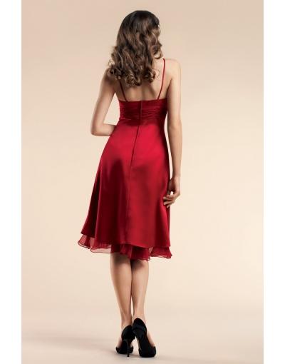 Robe de soirée/demoiselle d'honneur en satin rouge, longueur aux genoux avec bretelles fines