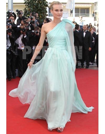 Robe de star Diane Kruger, très fluide et gracieuse