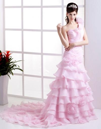Robe rose mariée à épaule asymétrique
