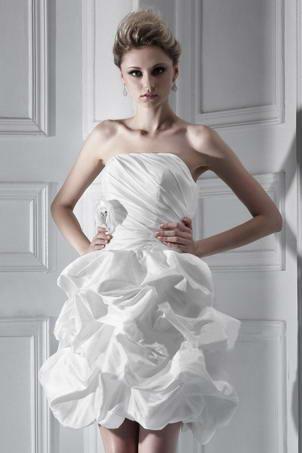 Robe de mariée plage courte / mini sans bretelle