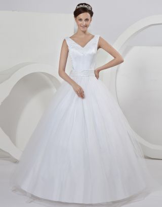 Robe de mariée princesse décolleté en V ornée de perle, nœud papillon