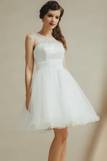 Robe simple et pure forme trapèze en tulle à jupe évasée pour garde robe