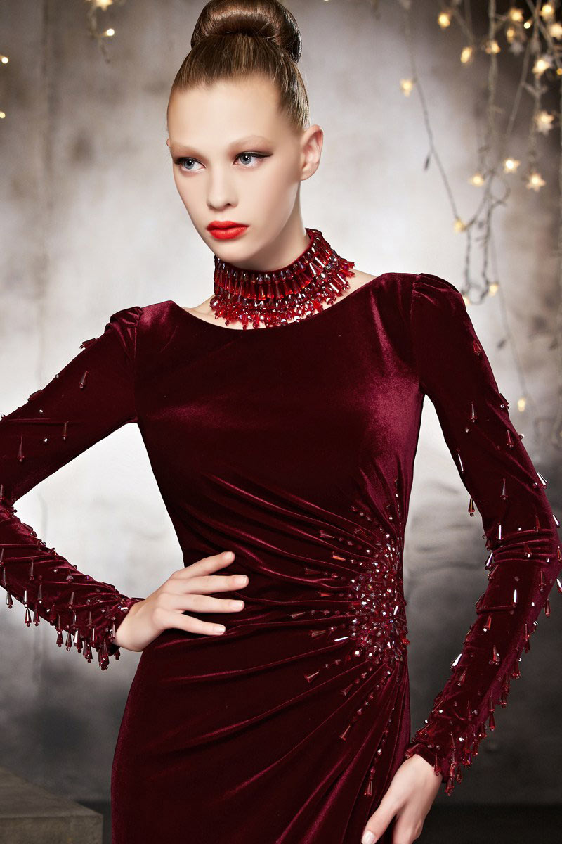 Robe rouge courte hiver