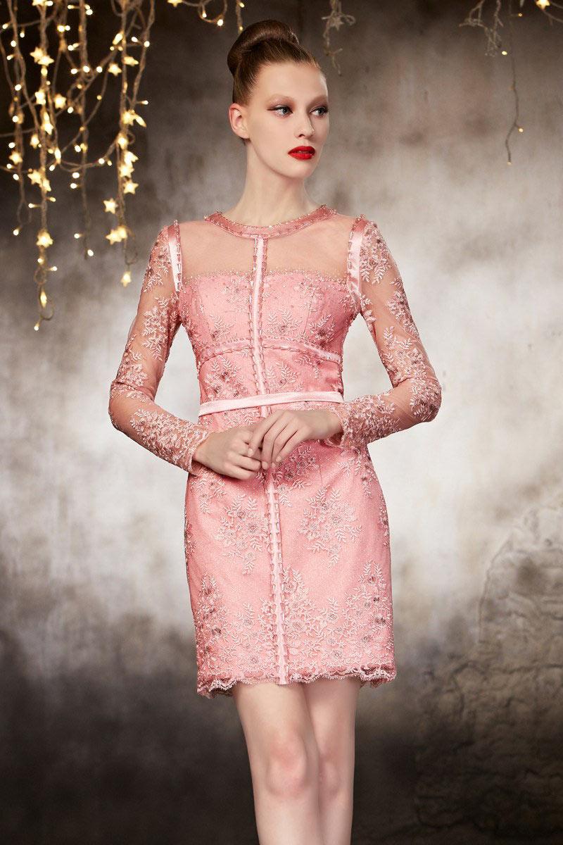 robe de cocktail rose manche longue en dentelle