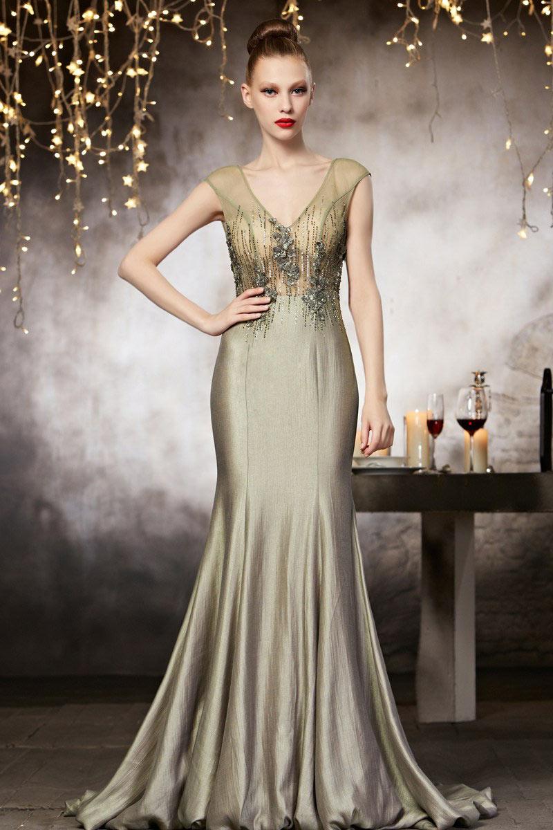 robe soir e haute couture en taffetas col en v. Black Bedroom Furniture Sets. Home Design Ideas