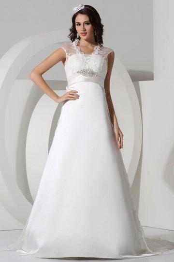 Robe de mariée ornée de strass vintage à traîne Royale en dentelle