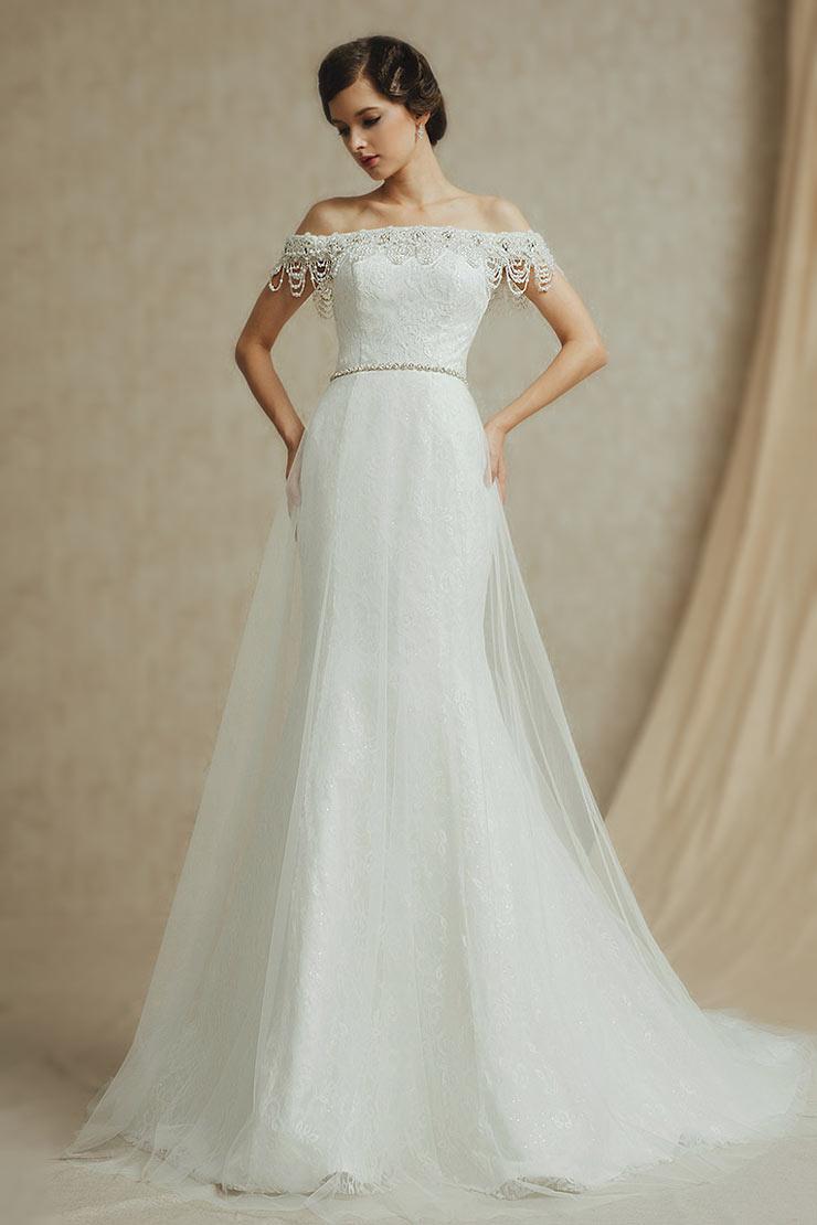 Robe de mariage cintr e avec encolure tombante orn e de for Sangles de dentelle de robe de mariage