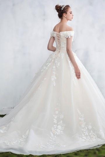 Robe de mariée élégante & florale en dentelle