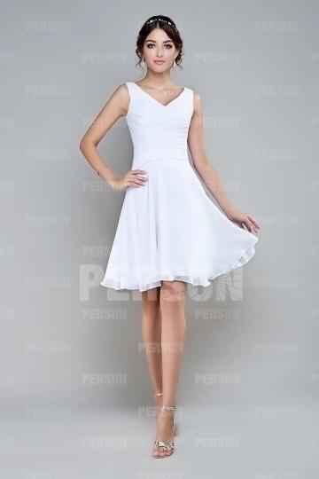Petite robe blanche col v embellie de sequins drap for Robe de cocktail de mariage blanche