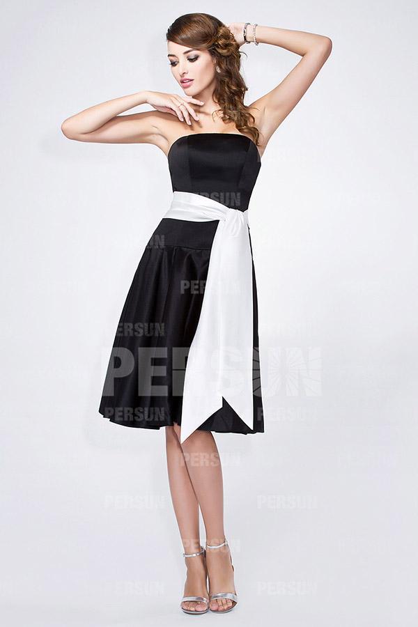 pour choisir une robe robe noire ceinture blanche. Black Bedroom Furniture Sets. Home Design Ideas