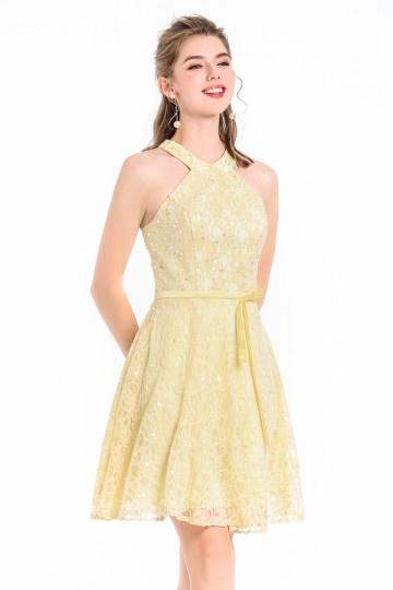 Robe de soirée jaune courte dentelle halter orné de strass