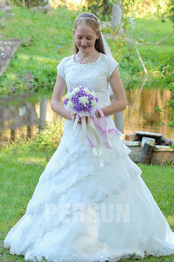 Robe de mariage princesse modest avec manches courtes & dos laçage ...