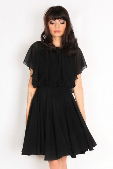 Robe de cocktail noire courte simple