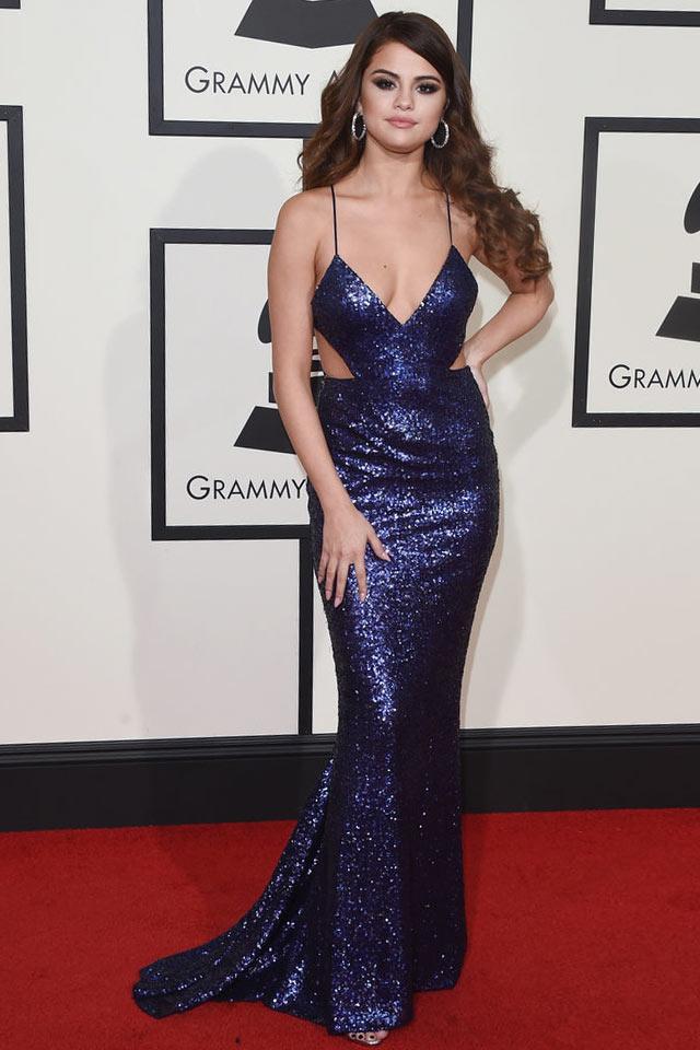 Robe de gala en sequins découpe Selena Gomez sirène aux bretelles