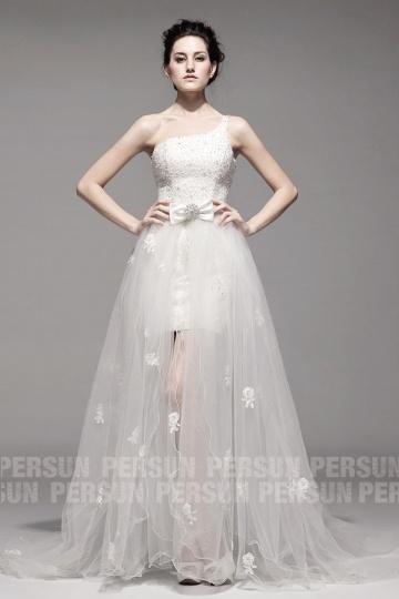 Robe ivoire pour la mariée à tra?ne détachable à encolure asymétrique en organza