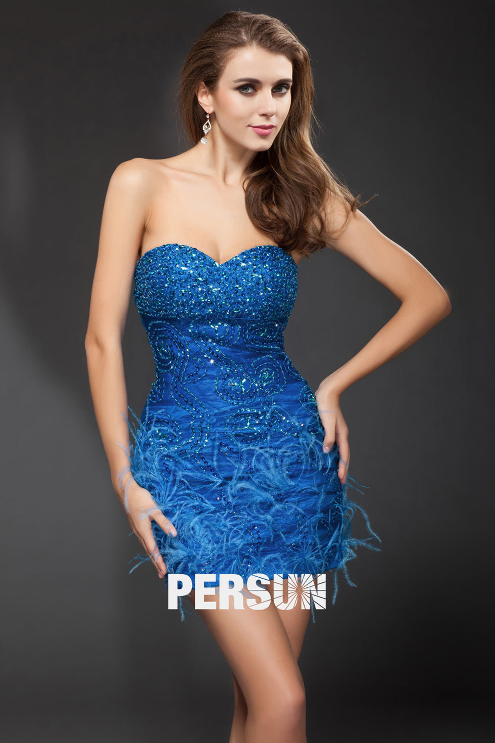 Robe cocktail bustier plume