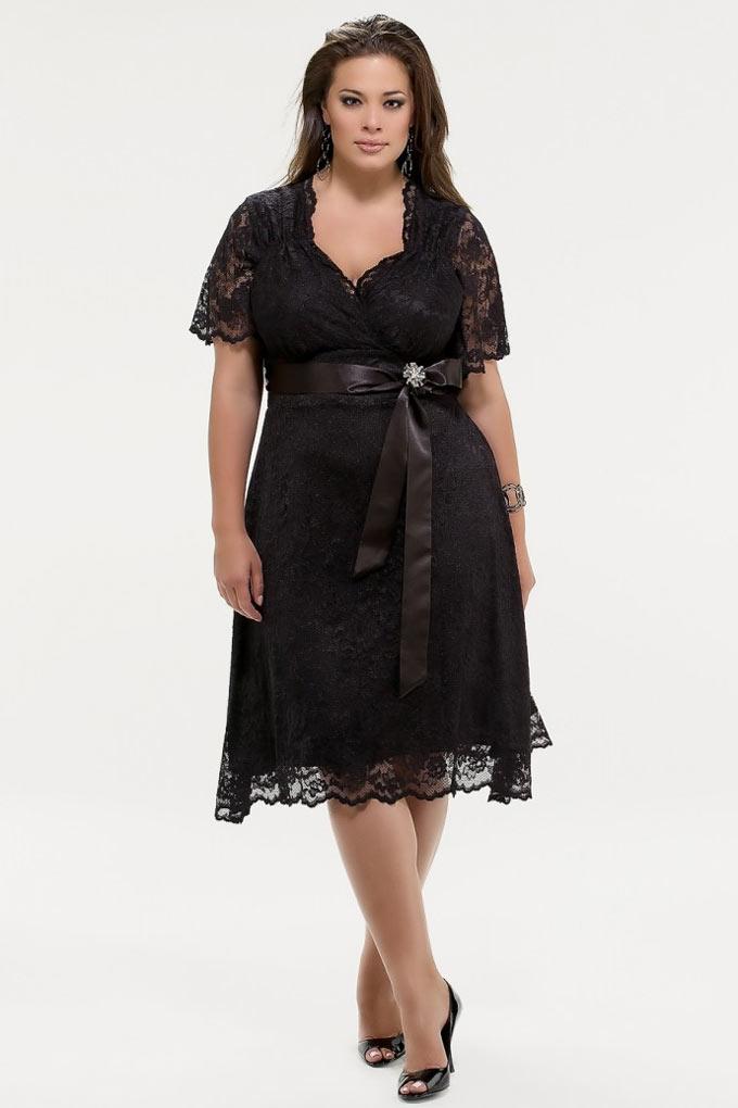 robe courte noire dentelle pour les rondes avec manches courtes. Black Bedroom Furniture Sets. Home Design Ideas