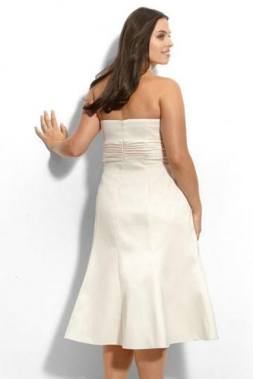 robe meringue bustier simple courte pour femme ronde. Black Bedroom Furniture Sets. Home Design Ideas