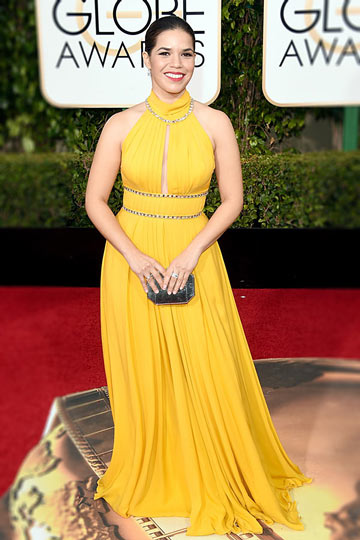 robe-longue-pour-soiree-col-americain-dos-decoupe-america-ferrera-aux-golden-globes-awards