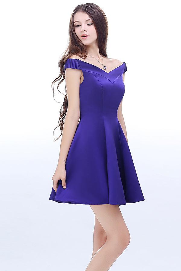robe-de-cocktail-violette-courte-epaule-denudee