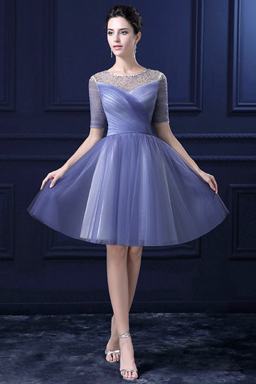 Robe de bal cendrillon courte bleue encolure perlée manche courte