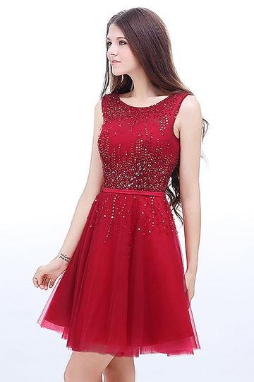 robe-rouge-habillee-courte-encolure-ronde-dos-decollete-en-v