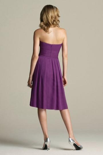 robe violette courte simple pour demoiselle d 39 honneur. Black Bedroom Furniture Sets. Home Design Ideas