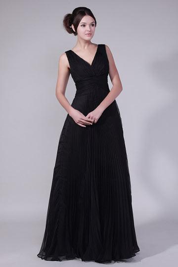 Longue robe de soirée noir sublime encolure en V plissés mousseline