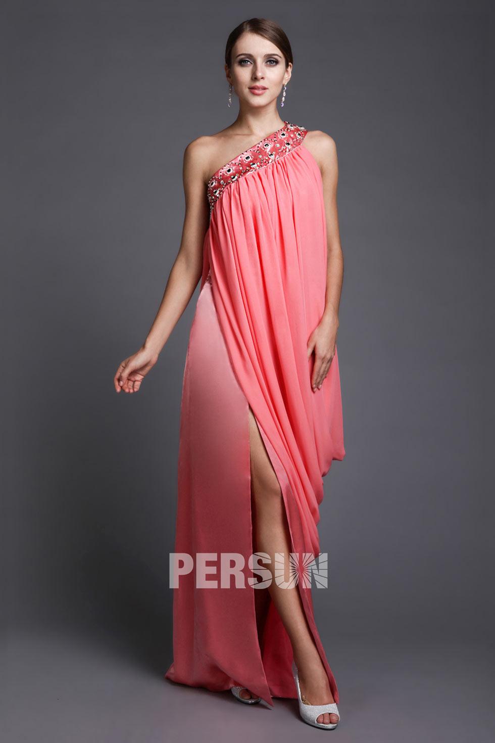 robe droite à encolure asymétrique