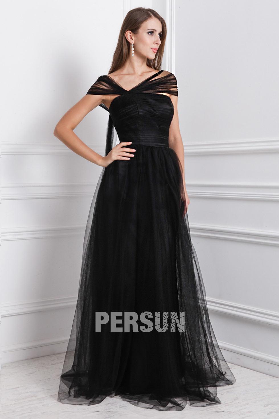 robe noire soir e longue encolure asym trique en tulle. Black Bedroom Furniture Sets. Home Design Ideas