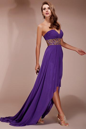 robe-violette-de-soiree-courte-devant-longue-arriere-a-bijoux