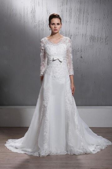 Robe de mariée dentelle à manches longues