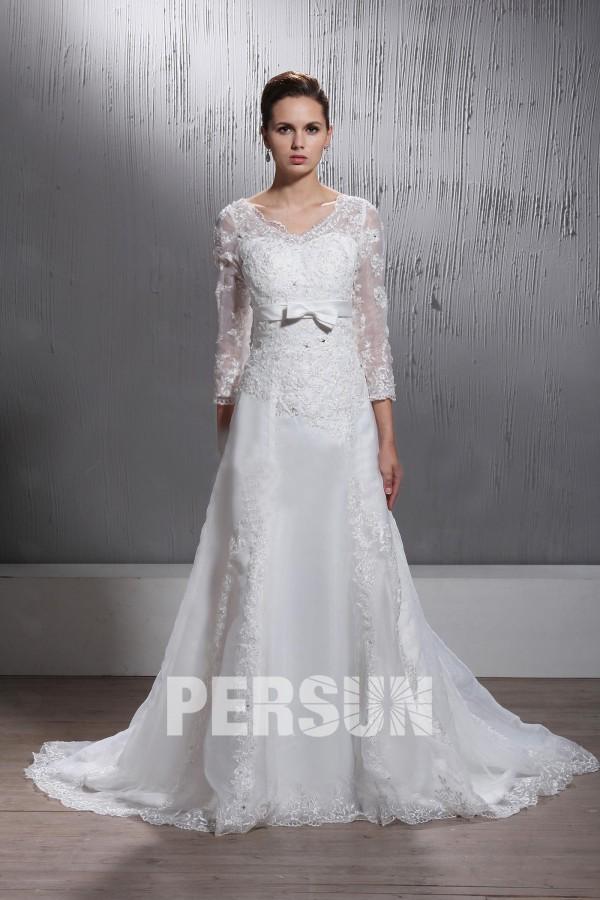 Robe de mariée dentelle à Ligne-A encolure en V à manches longues ...