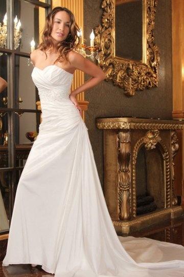 Robe de mariée taille basse coeur bustier en taffetas avec appliques