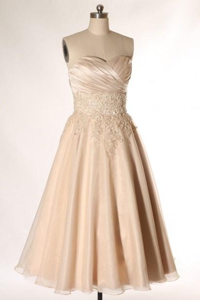 Mi-longue robe de mariée à bustier cœur
