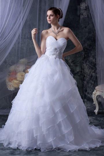 Robe princesse de mariée décolleté en cœur bustier ornée de bijoux en organza pas cher
