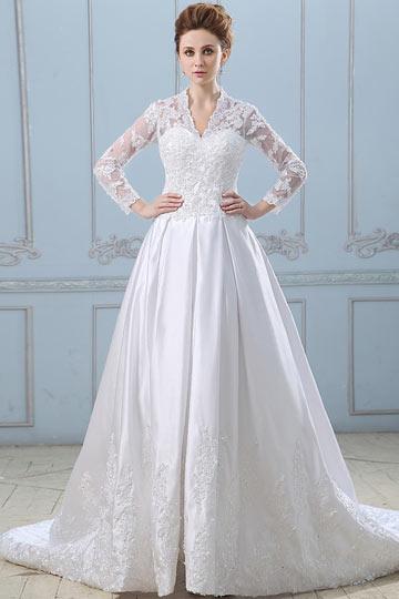 Robe de mariée dentelle décolleté en V avec manches longues