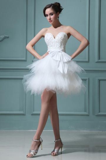 mini-robe-de-mariee-bustier-coeur-a-jupe-evasee